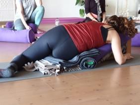 Workshop Restorative Yoga & Yoga Nidra Zondagmiddag, 22 maart, 13.00 – 16.00 uur
